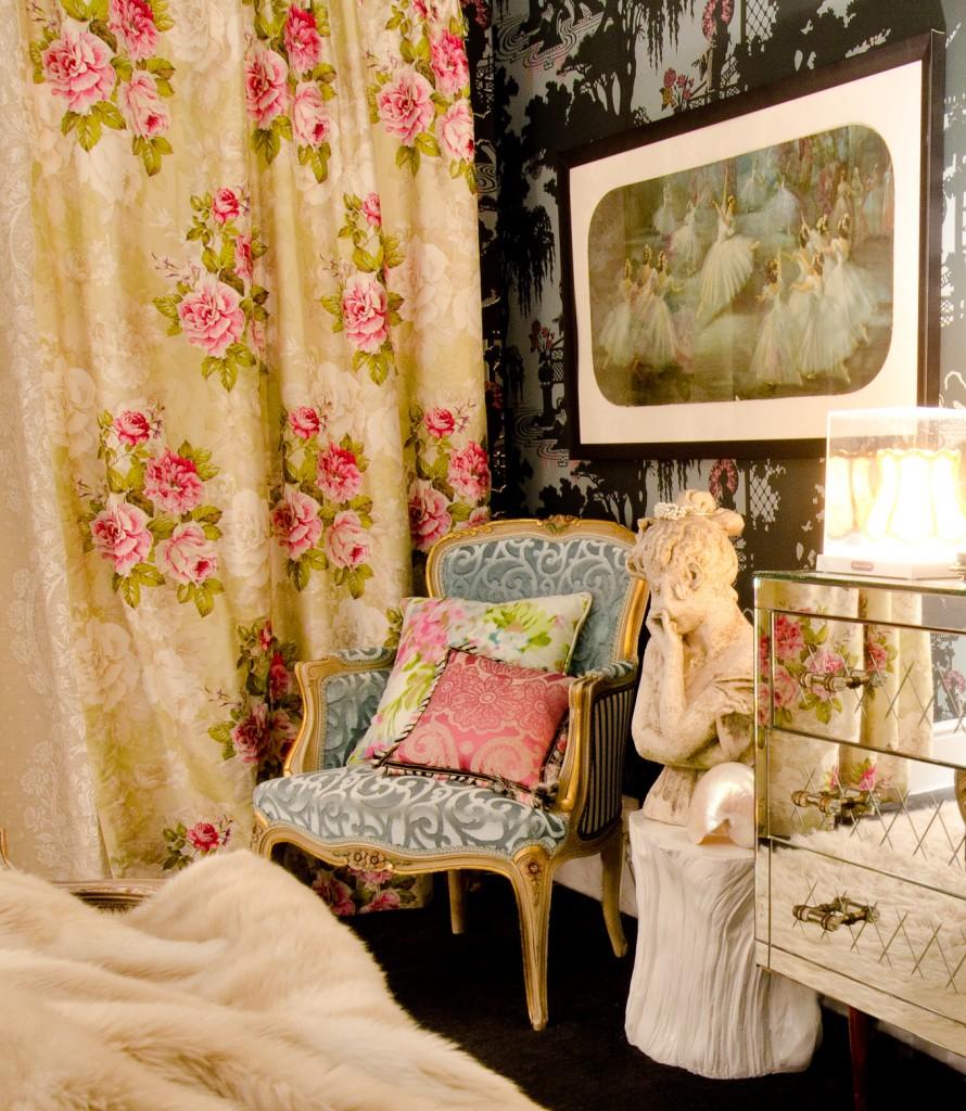 curtain corner