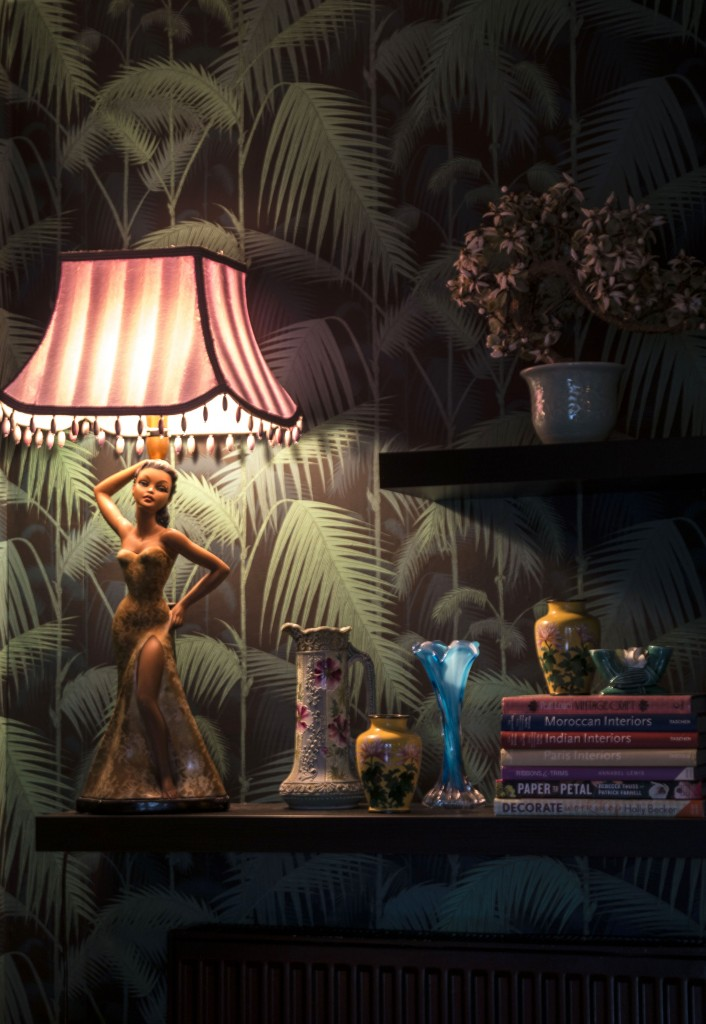 Vintage Hawaiian lady lamp