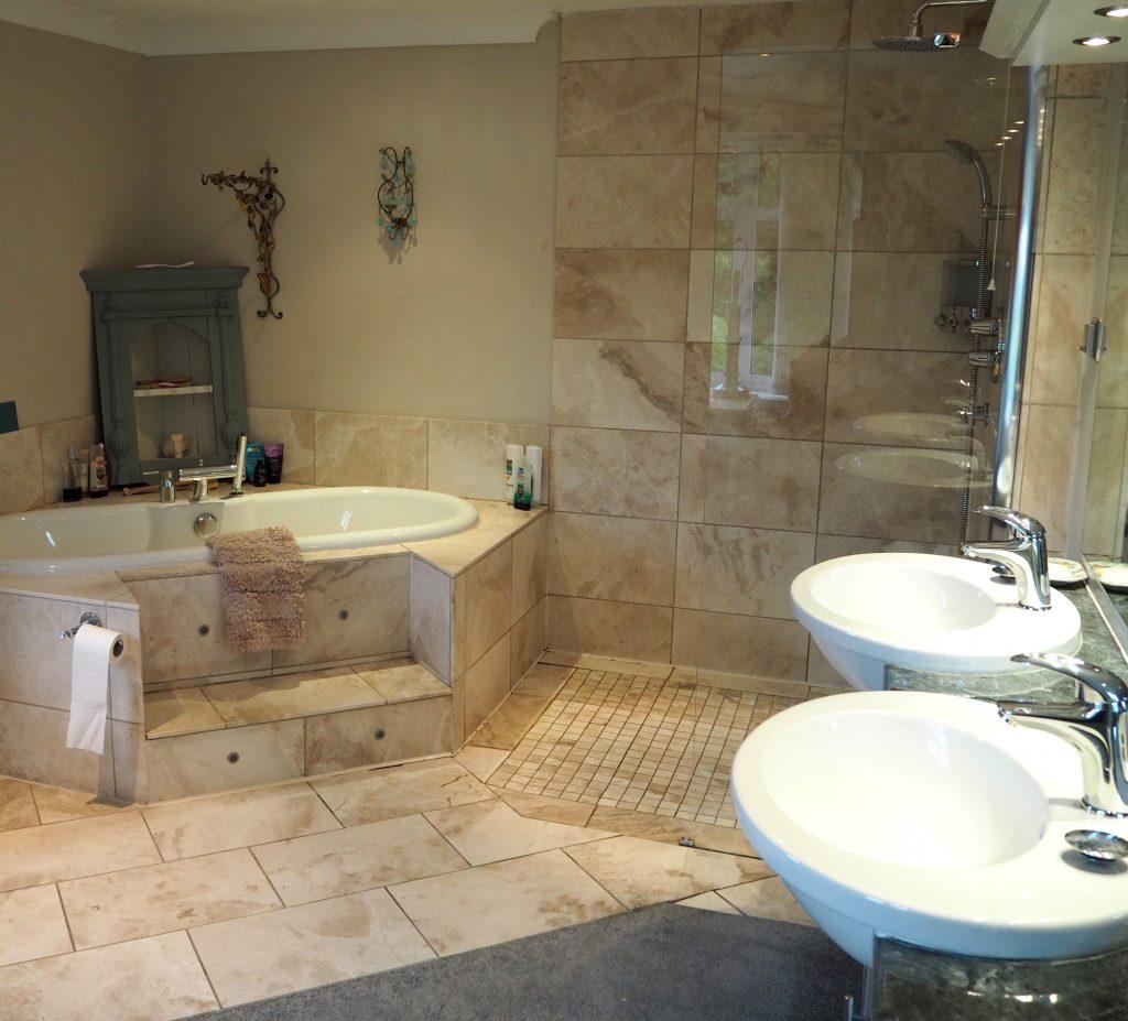 En suite bathroom before renovating
